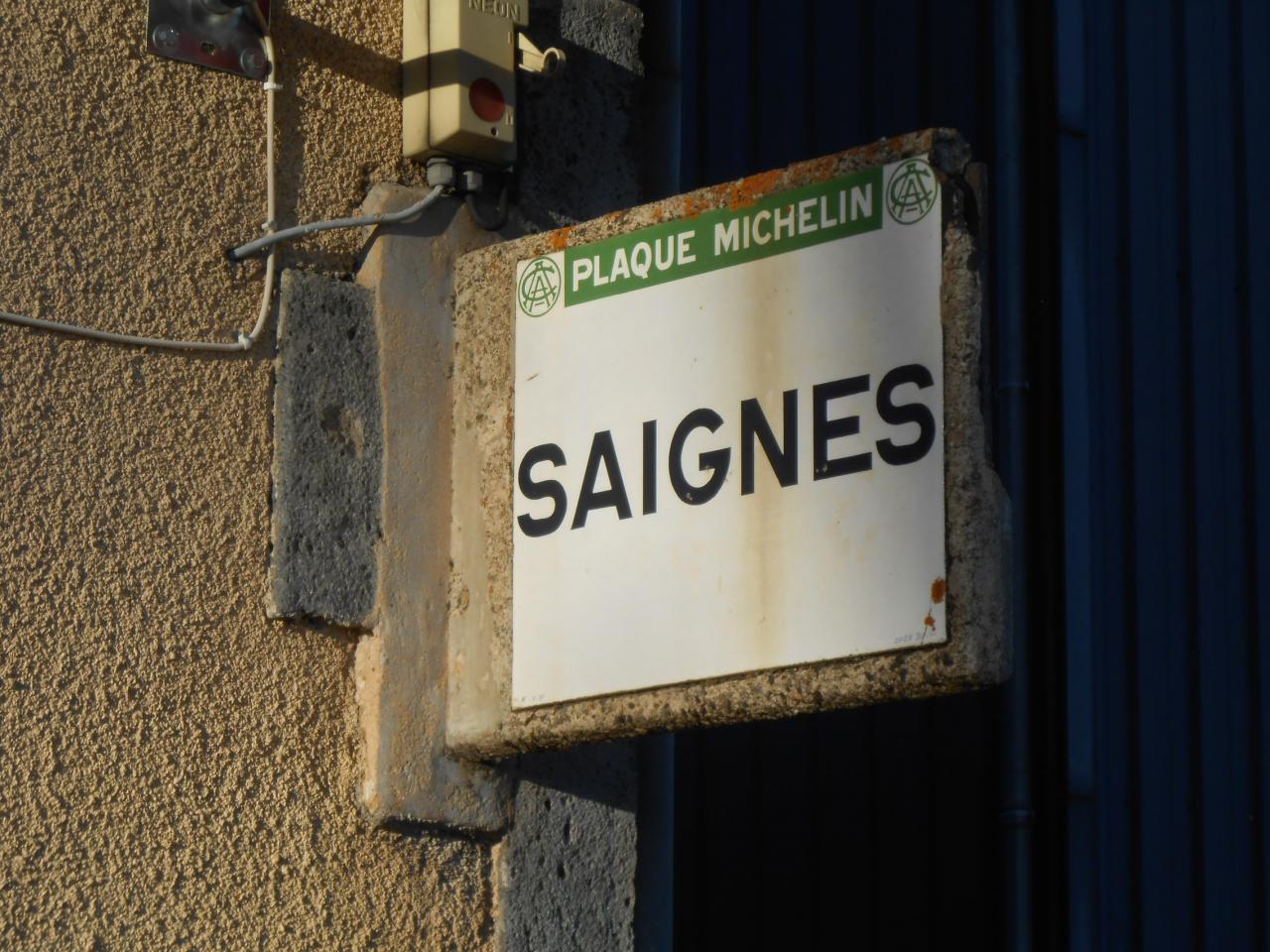 63710 Village de Saignes sur D5 (1)