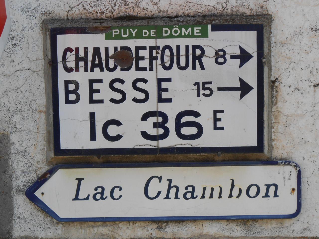 63790 Dans Village de Chambon sur Lac