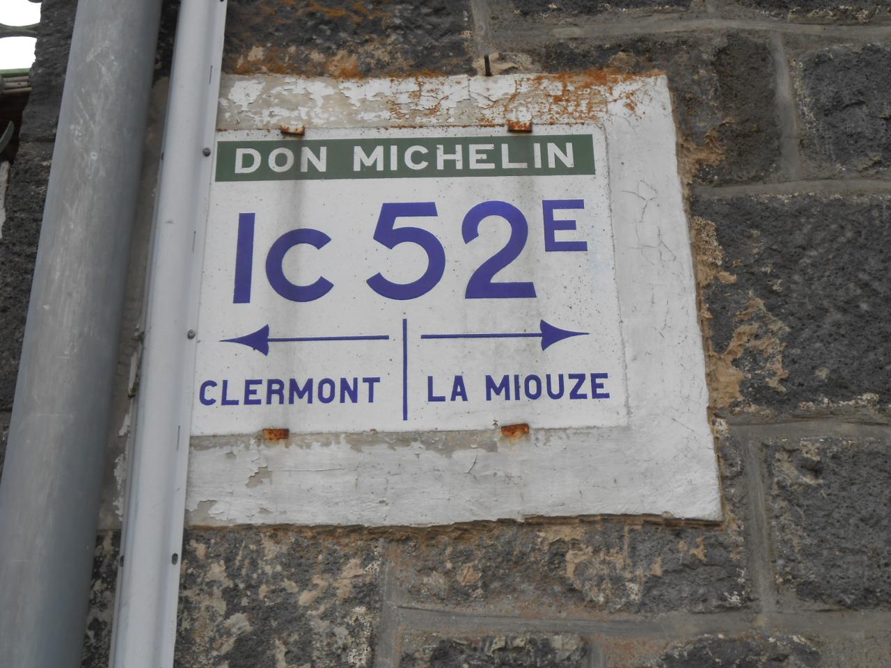 Les panneaux et bornes Michelin